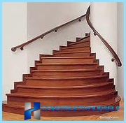 Finition bois escaliers en béton, stratifié
