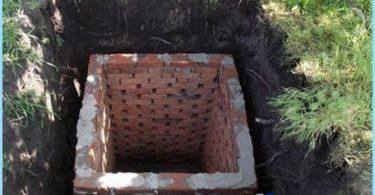 Construction de toilettes dans le pays avec leurs propres mains