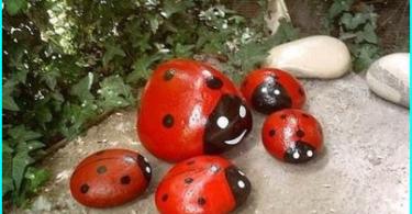 ornements décoratifs pour le jardin avec ses propres mains: idées de conception